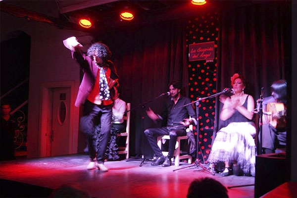 "FLAMENCO EN ""LA GUARIDA DEL ANGEL"""